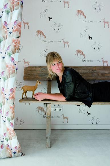meisjeskamers, meisjeskamer voorbeelden, meisjeskamer inspiratie, behang onszelf hertje, behang onszelf bambi, kinderkamer met hertjes, bambi kinderkamer