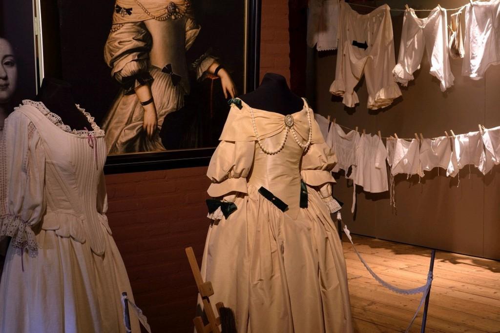ondergoed, historische ondermode