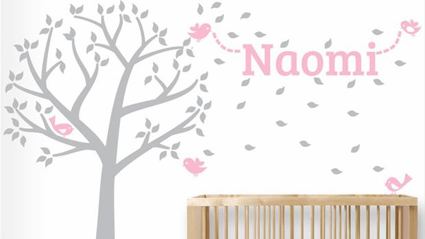 Naamstickers voor babykamer
