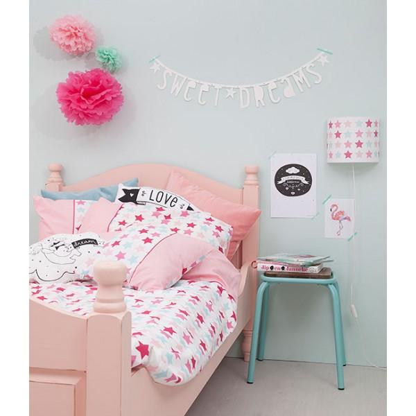 meisjeskamer in pastel kleuren