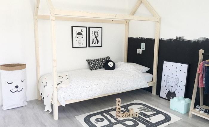 Slaapkamer Zwart Wit : Zwart wit slaapkamer` s decor stock afbeelding afbeelding