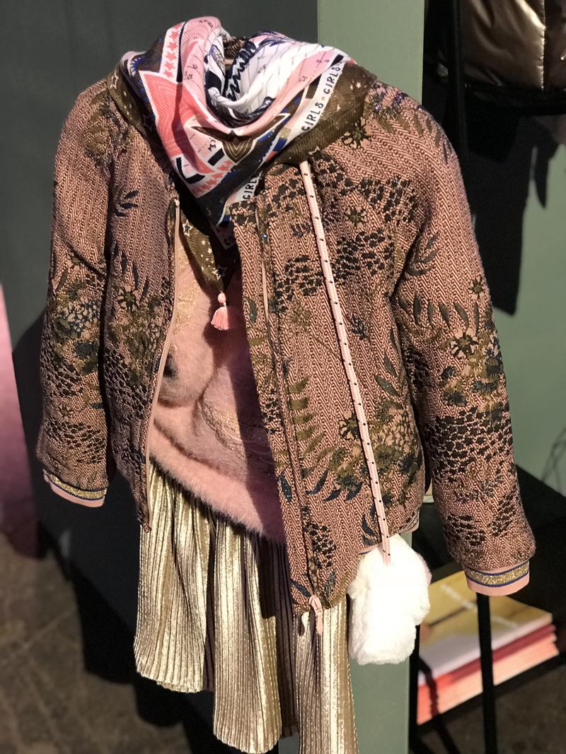 AAIKO kinderkleding, hippe meisjeskleding, kindermode trends winter 2018, girlslabel, kindermodeblog, romantische meisjeskleding