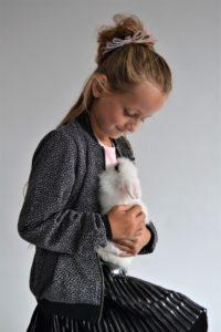 noortje, wit konijn, huisdier, konijn aaien, konijn als huisdier