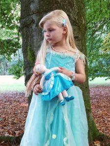 souza prinsessenpop, souza for kids, souza, elfenjurk, blauwe prinsessenjurk, knuffelpop
