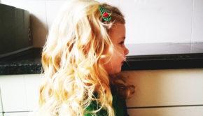 meisjes kapsels, lange haren, blonde haren, haren invlechten