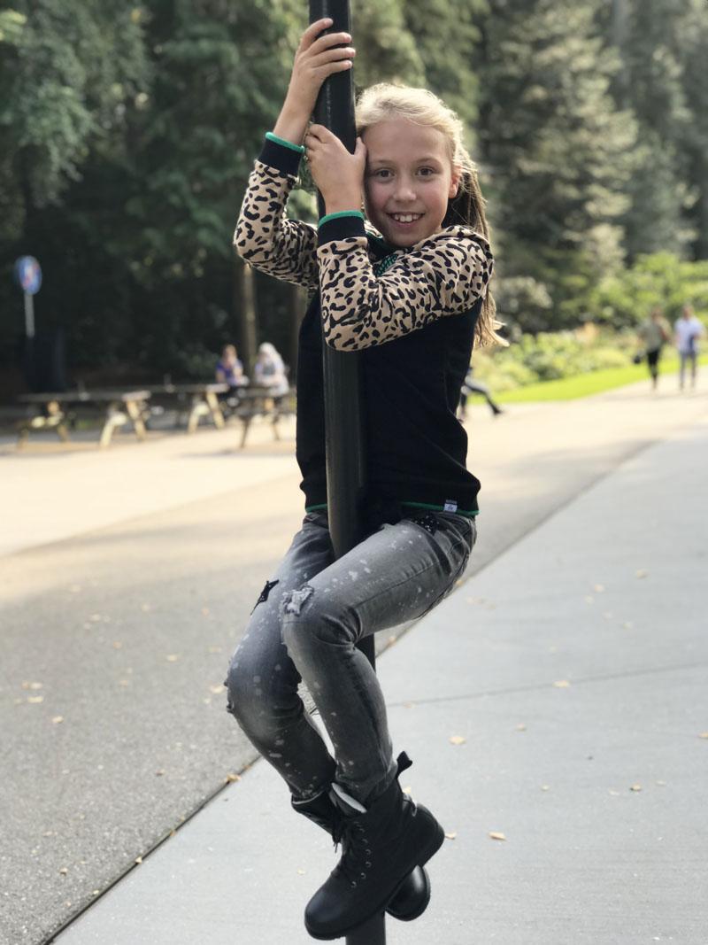 tijgerprint sweater, luipaardprint, trendy meisjeskleding