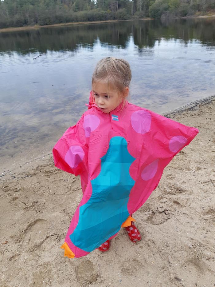 stoerekindjes regenkleding, stoerekindjes, meisjes poncho, roze poncho, poncho uiltjes