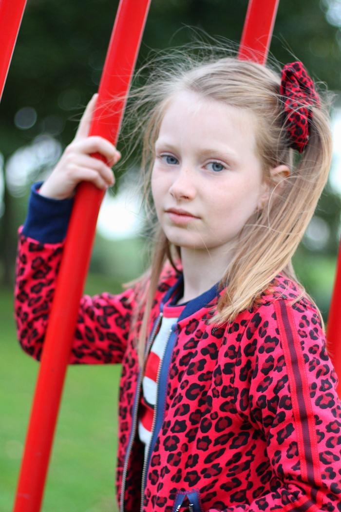 trendy claesens, rode luipaardprint, rode rok, zilveren booties