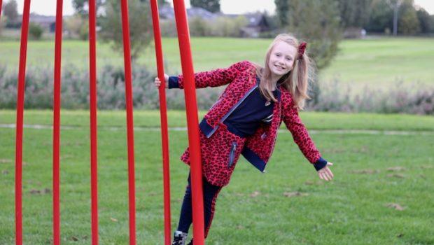 claesens outfit, trendy claesens, rode luipaardprint, rode rok, zilveren booties