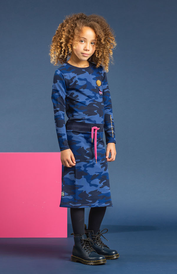 stoere jurken meisjes, quapi, quapi aw 2018, army print, maxidress winter, longdress winter