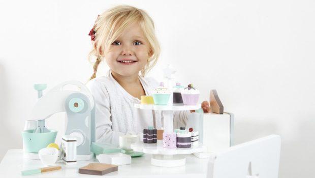 de gele flamingo, houten speelgoed, houten speelgoed meisjes, houten cupcakes, cadeautips voor peutermeisjes