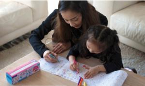 cadeau meisje 4 jaar, activity roll, mudpuppy, kleurplaat