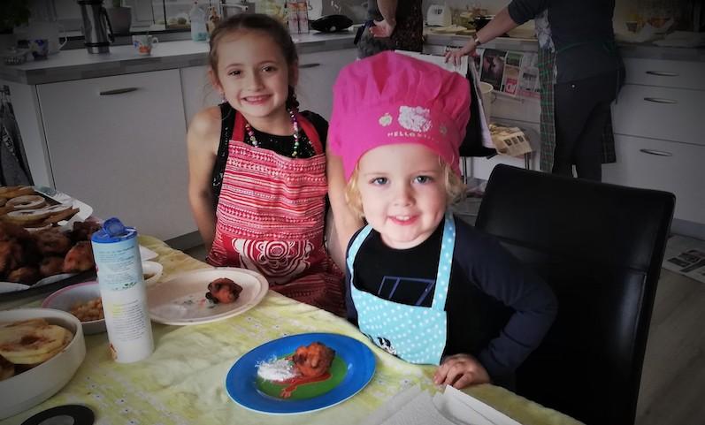 oliebollen bakken, feestdagen vieren, persoonlijke blog, familietraditie, traditie feestdagen