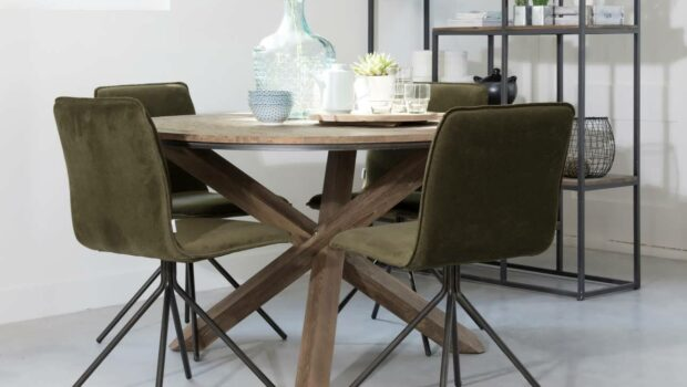 ronde tafel, houten tafel, robuuste eettafel