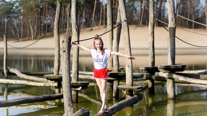 badstof shorts, rode shorts, claesen's review, claesen's zomercollectie, claesen's meisjes, quote shirt