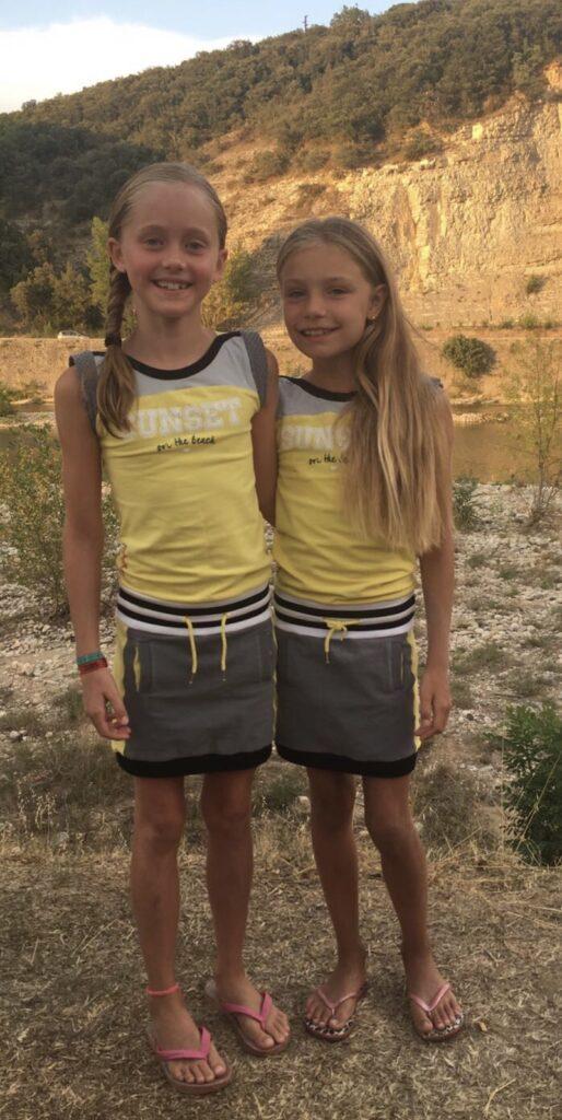 Fenna en Jennifer, bff twinning, bff mode, meisjesmode, twinning mode, twinning meisjes