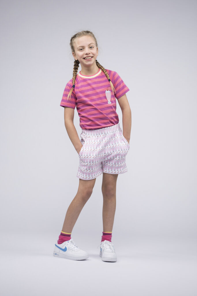 milkshake girl, mikshake pink, roze outfit