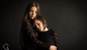 fotoshoot winnen, kindermodel, kinderfotografie, portretfotografie, portretshoot, zwart wit fotoshoot, fine art fotografie, natural portraits