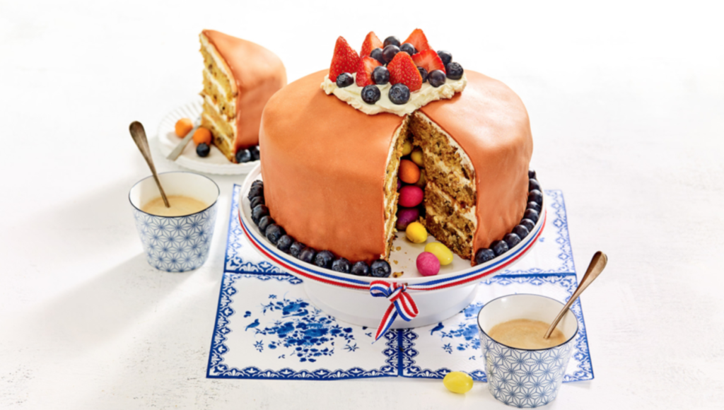 wortel sinaasappelcake recept, taart bakken recept, paastaart recept, paastaart bakken, pasen taart