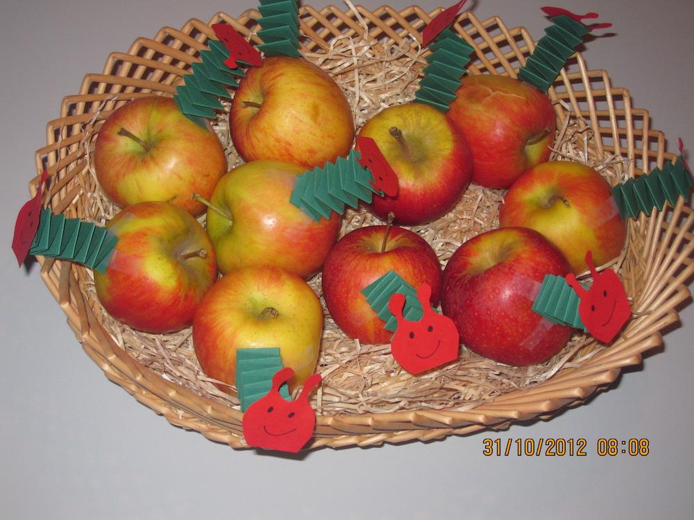 traktatie 2 jaar, traktatie rupsje nooitgenoeg, traktatie appel, traktatie gezond
