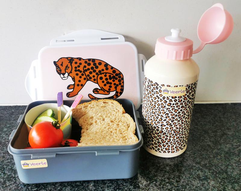 betaalbare schoolspullen, goedkope broodtrommel en drinkbeker, luipaard drinkbeker, luipaard broodtrommel