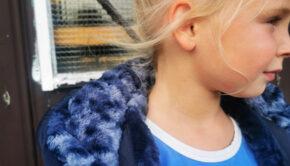 donkerblauwe winterjas meisje, parkajas meisje, moodstreet jas, blauwe winterjas met bont