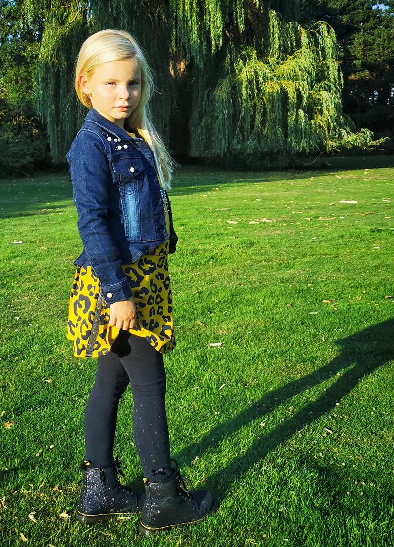 hippe meisjes outfit, gele panterprint, gele animalprint, meisjeskleding
