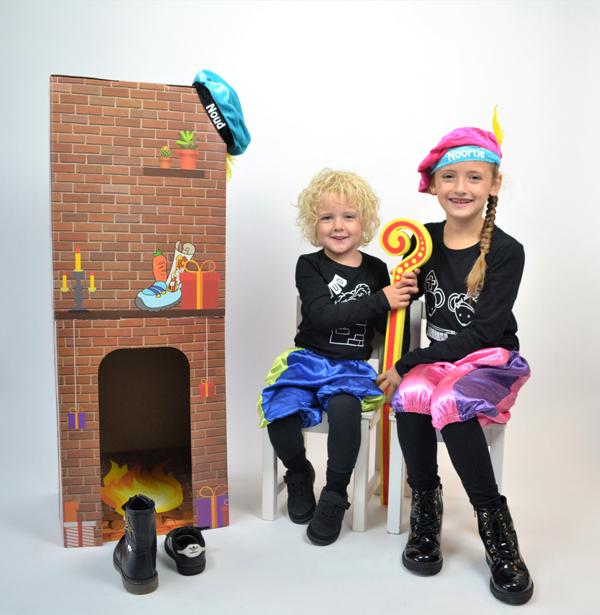 kinderen verkleed als pietjes