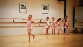 ballet meisjes, mijn dochter wil op ballet, balletpakjes, roze tutu, roze balletpakje