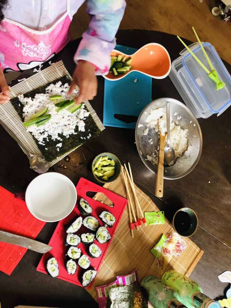 tips als het regent met kinderen, thema middag, japanse middag met kinderen