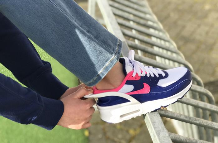 Nike Air Max 90 Flyease kind, stoere meiden sneakers, nike sneakers meisje