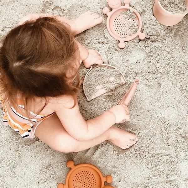 quut, strandspeelgoed, emmer en schepjes, zomer speelgoed