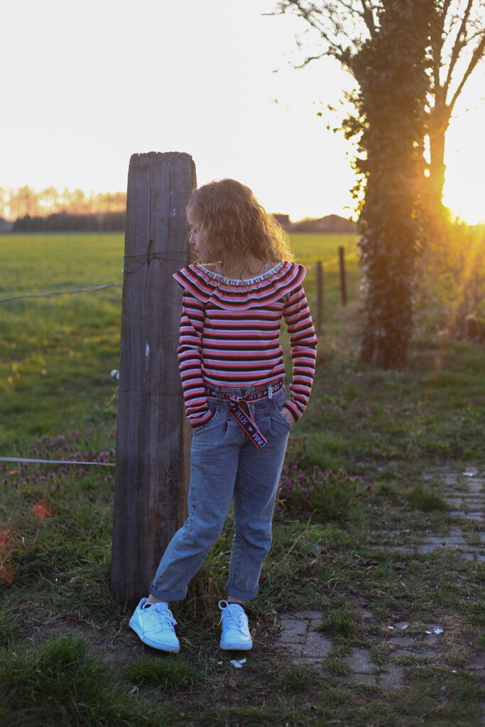 stoere meisjes jeans, stoere meisjes spijkerbroek, retour jeans, girlslabel, meisjesmode inspiratie