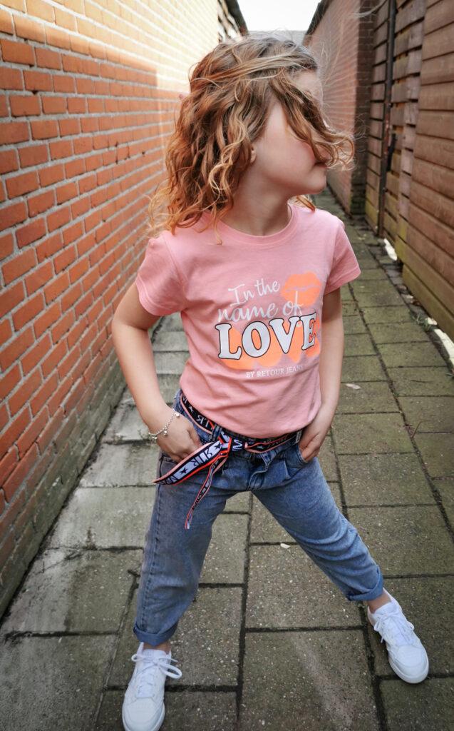 stoere meisjes jeans, stoere meisjes spijkerbroek, retour jeans, girlslabel, meisjesmode inspiratie, meisjes kleding set, stoere meisjeskleding set