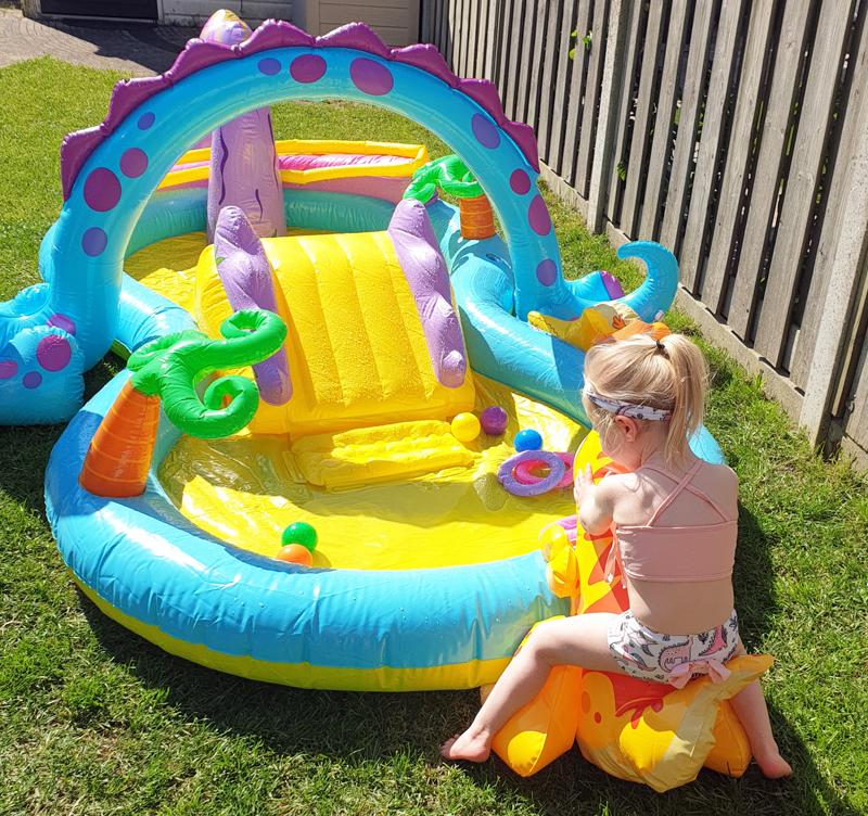 Intex zwembad kopen, zwembad online kopen, dinosaurus zwembad, opblaasbaar zwembad, dino zwembad, zwembad speelgoed