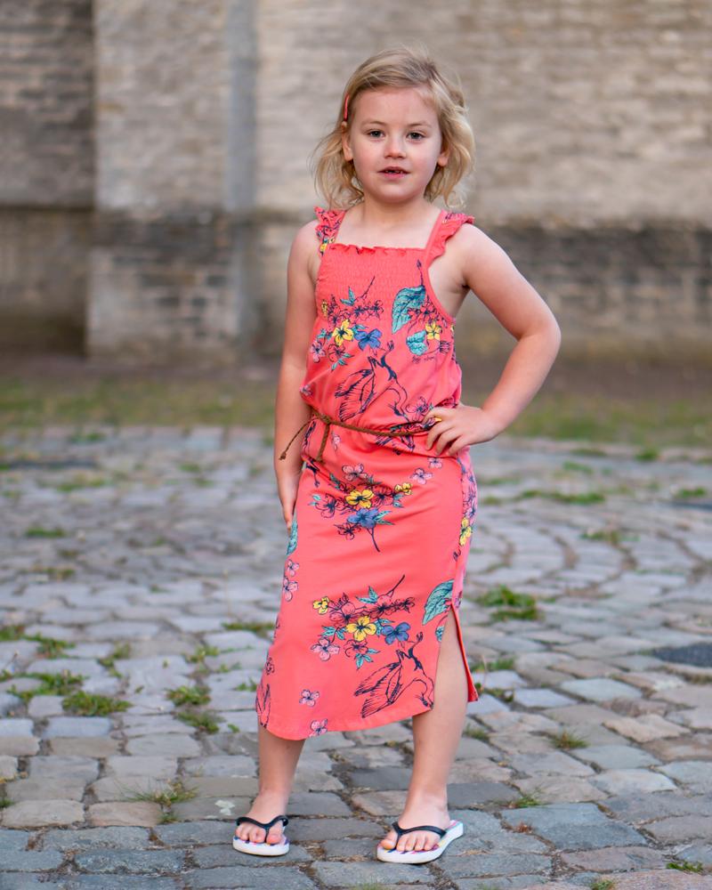 maxi dress voor meisjes, lange meisjes jurk, quapi maxi dress , zomerjurk meisje, koraalrode jurk