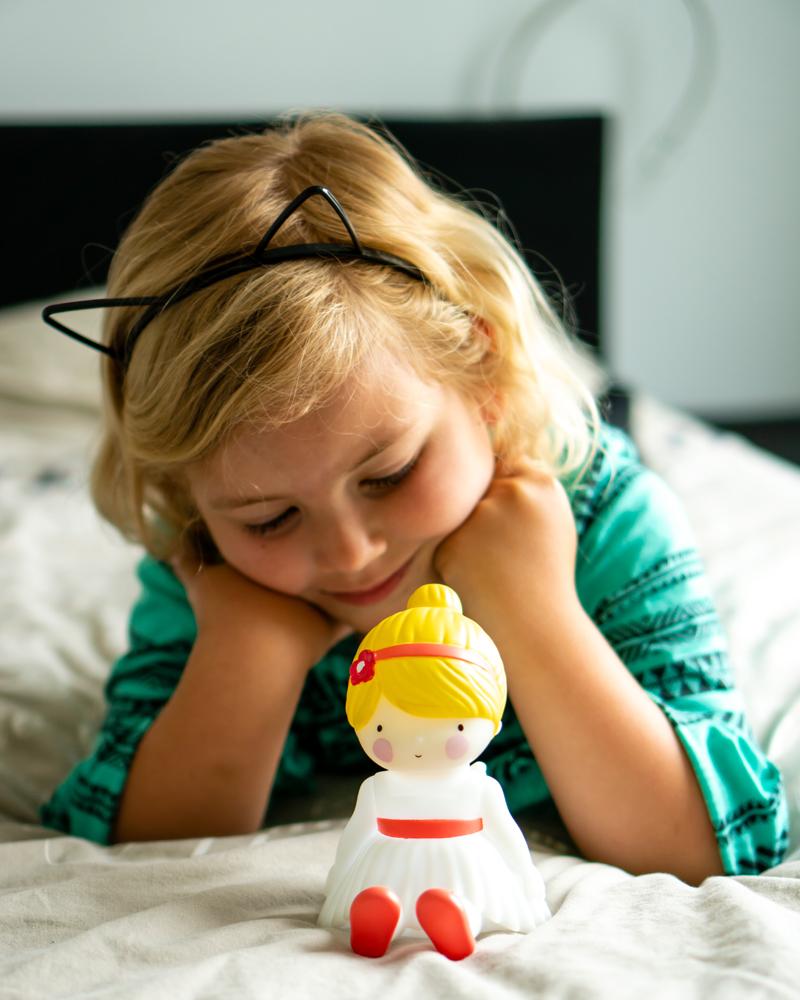 meisje 6 jaar, nachtlampje meisje, kinderlamp, a little lovely company, meisjeskamer, meisjes cadeau, meisjeskamer styling