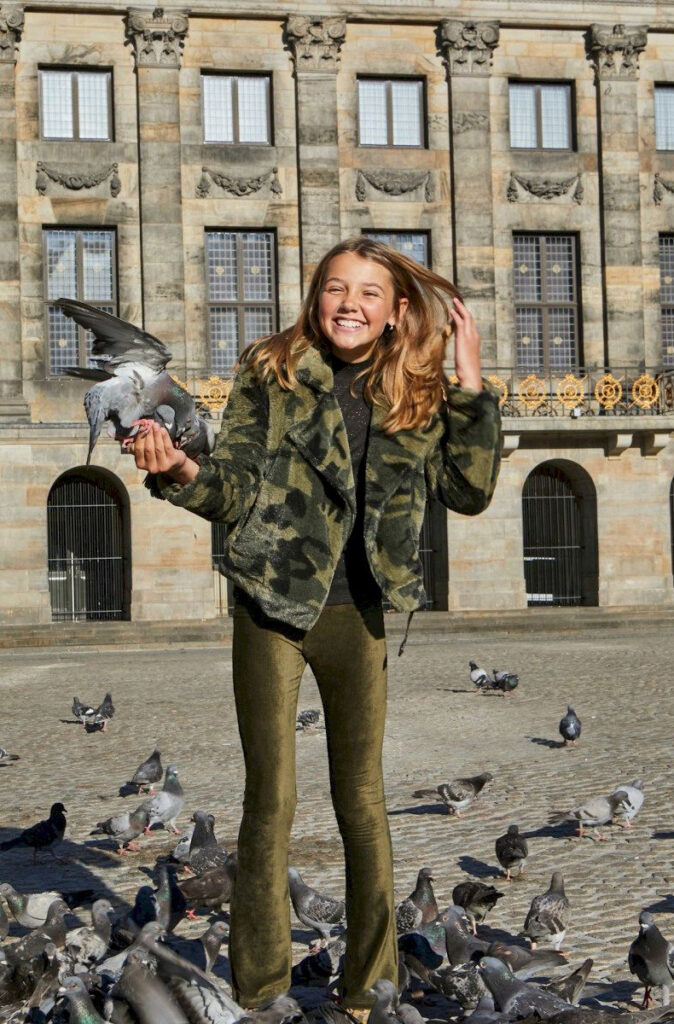 stoere tienerlook, tienerkleding looks, kleding meisje 14 jaar, hippe meidenkleding, fashiontrends
