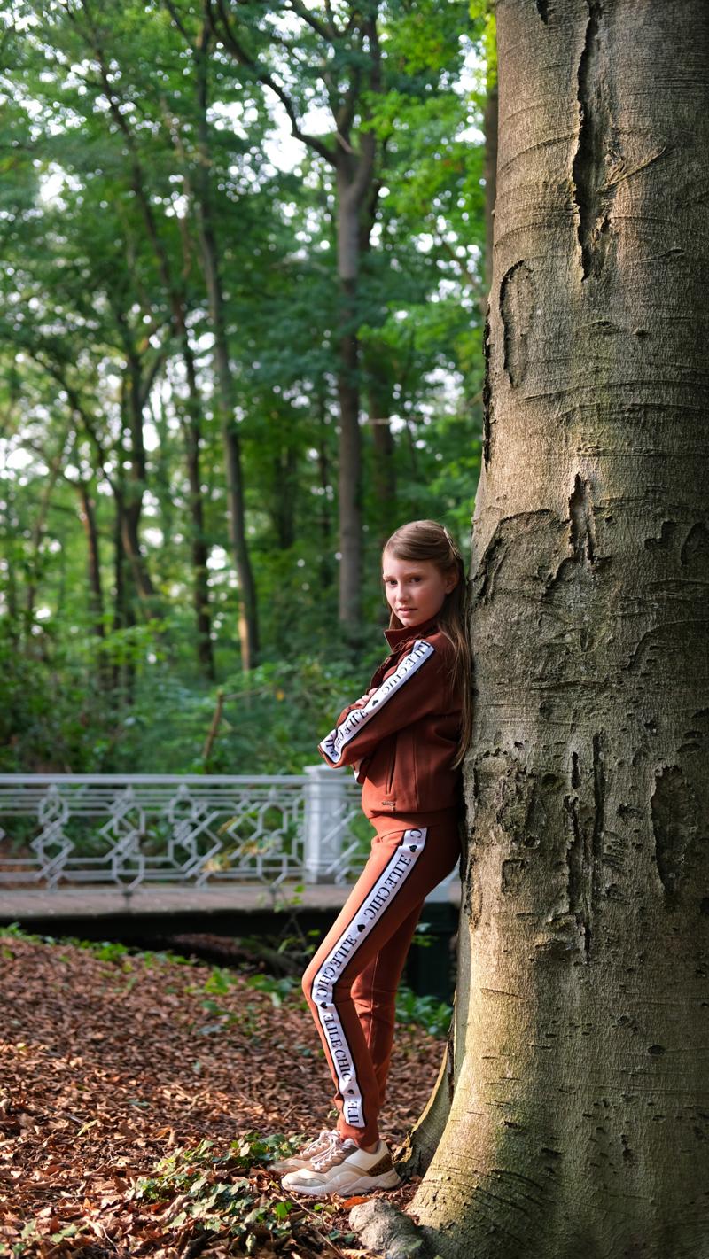 elle chic winter 2020-2021, meisjesmodeblog, kindermodereview, girlslabel, meisje 12 jaar,  sportstyle