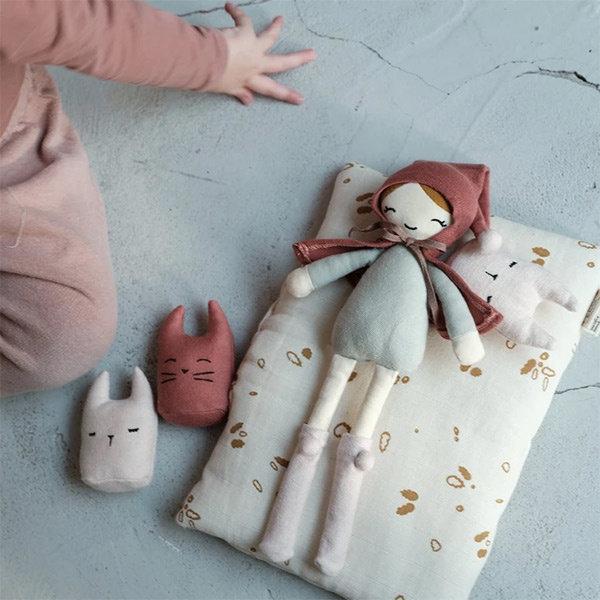 stoffen popjes, speelgoed poppen, meisjes speelgoed, duurzaam meisjesspeelgoed, duurzaam speelgoed, fabeleb, fabelab speelgoed, little thingz, webshop duurzaam speelgoed
