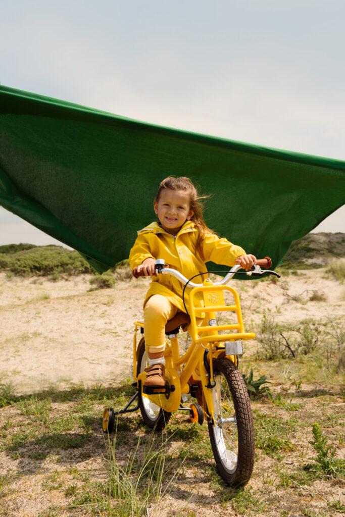 gele kinderfiets, meisjesfiets geel, supersuper challege, supersuper fiets