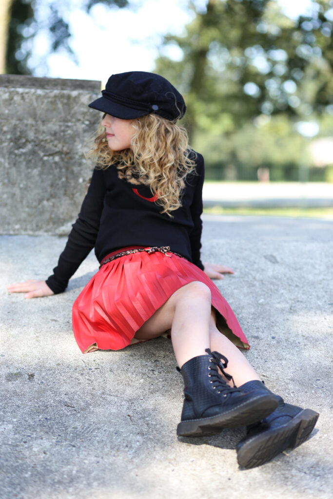 NoNo review, nono kinderkleding, nono meisjeskleding, nono collectie winter 2020-2021, hippe meisjeskleding, schattigebabykleertjes,  trendy meisjeskleding, populaire meisjeskleding, meisjeskleding maat 140, meisjeskleding maat 128, nono rokje, rokje meisje rood, meisjeskleding zwart rood, meisjeskleding styling, meisjeskleding voorbeelden, meisjeskleding inspiratie, girlslabel, meisjesmodeblog