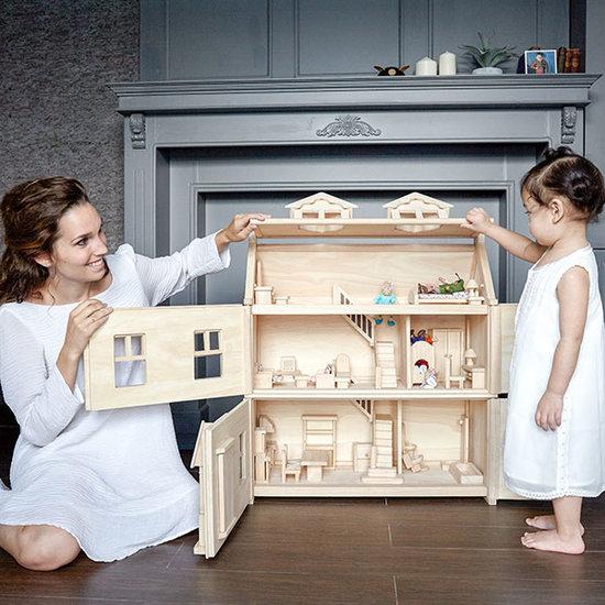 poppenhuis, groot houten poppenhuis, duurzaam speelgoed, plan toys, plan toys speelgoed, little thingz, webshop duurzaam speelgoed