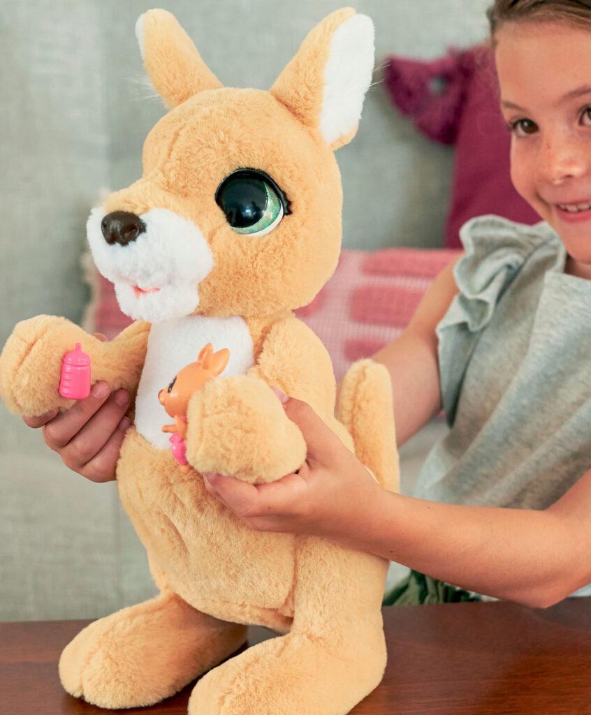 wat is het leukste speelgoed, speelgoed voor meisjes, mama josie, speelgoed kangeroe, kangeroe knuffel, leukste speelgoed