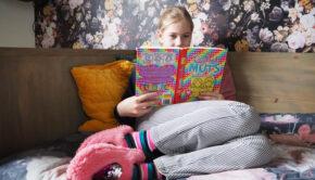 boeken lezen, kinderboeken lezen, hoe krijg ik mijn kind aan het lezen, mijn kind vind lezen stom