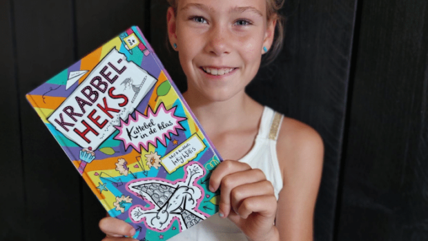 krabbel-heks, boek krabbel heks kattebel in de klas, meiden boeken, leuke boeken voor meisjes