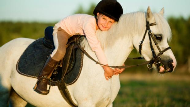 paardrijden, kind paardrijden, paardrijcaps, de beste paardrijcaps, paardrijcap, paardrijden, paardrijkleding, paard, paardenmeisje