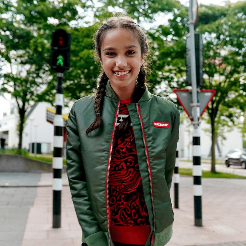 stoere zomerjas meisje, raizzed zomerjas, bomberjas kind, bomberjas, groene bomberjack