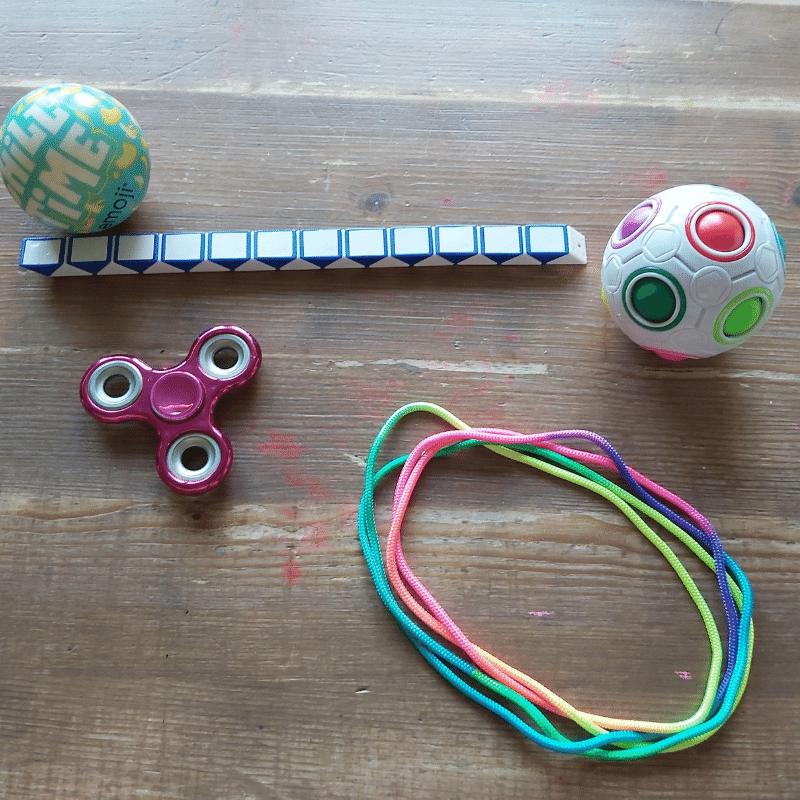 tiktok trends, fidget toys, fidget speelgoed, De tangle, Pop it,  magnetische ringen, simple dimple, fidget spinner, Stressballen, Fidget puzzel bal