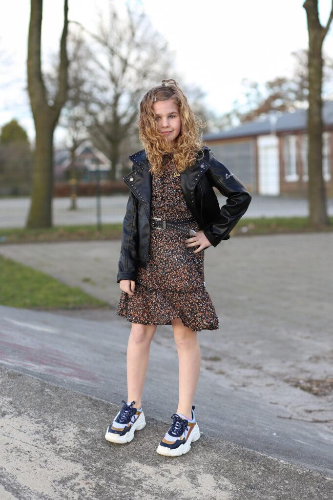 outfit of the day, wat moet ik aan vandaag?, OOTD, Outfit inspiratie, meisjeskleding inspiratie, meisjesmode blog, meisjesmama, retour jeans 2021, kindermode 2021, hippe meidenkleding
